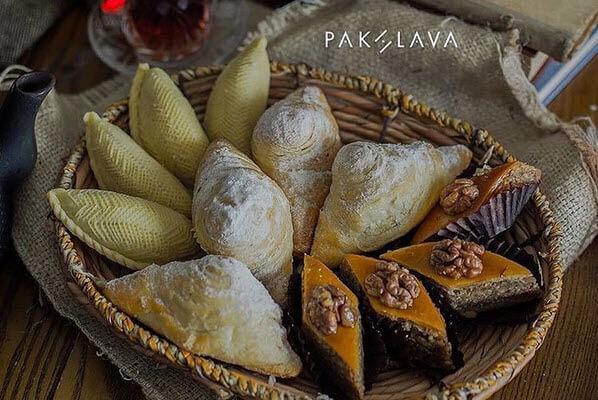 Пахлава в Баку