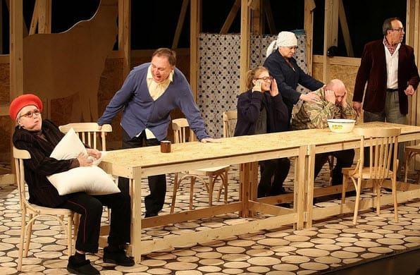 Спектакль Дядя Ваня в камерном воронежском театре