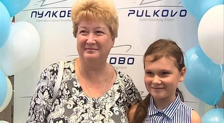 Петербургская школьница стала юбилейной пассажиркой «Победы» (видео)