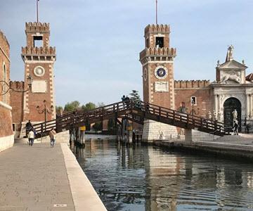 Что посмотреть в Венеции — мосты и лодочные прогулки под песни гондольеров