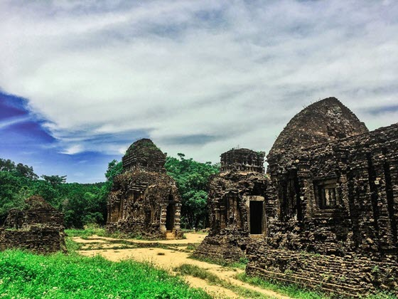 Комплекс индуистских храмов Мишон во Вьетнаме
