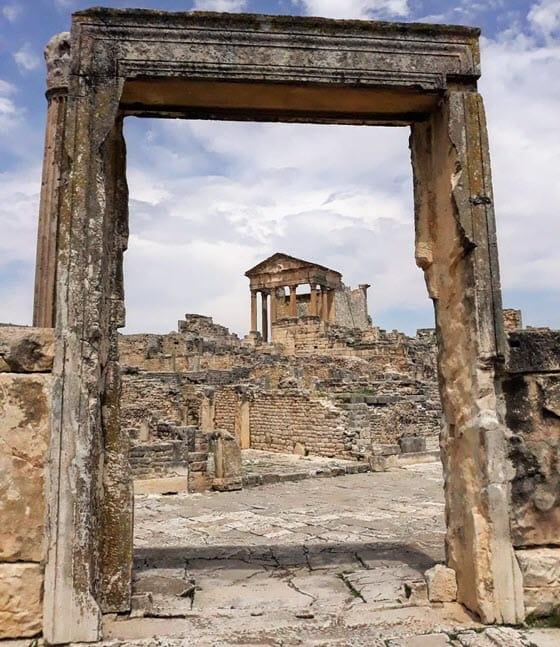 Развалины Дугга в Тунисе
