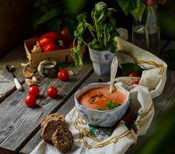 9 лучших освежающих летних холодных супов