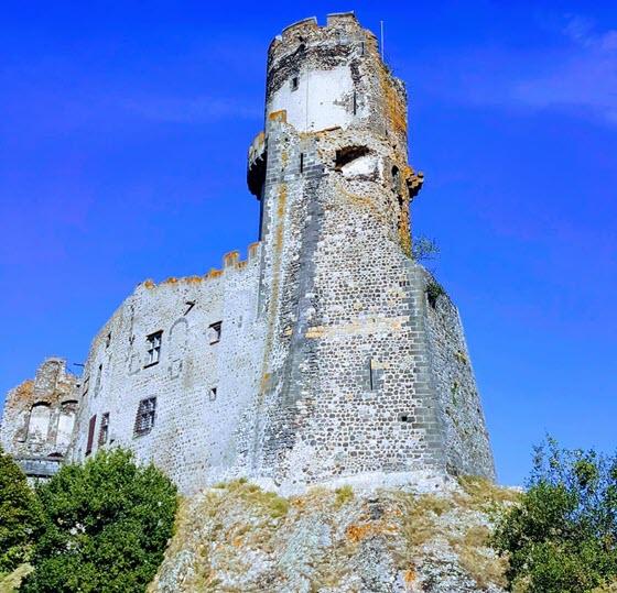 Посмотрите на крепость Мюроль