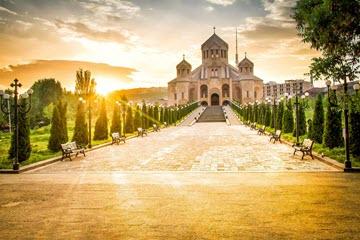 Гид по Еревану — коньяк, канатка, шашлык и Ким Кардашьян