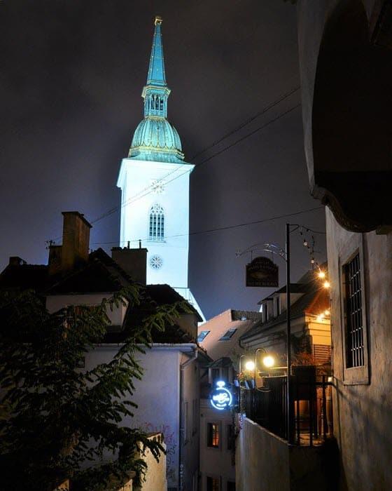 Голубой костел в Братиславе