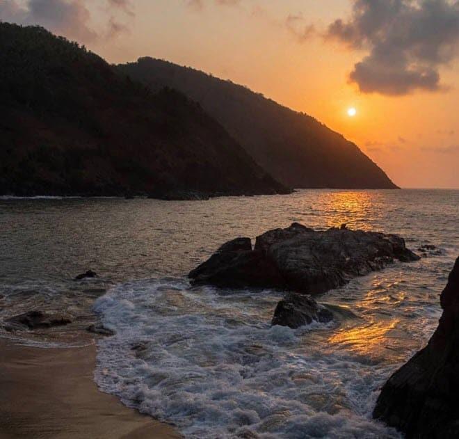 7 причина красивые закаты на острове Гоа-min